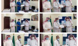 تكريم حسين العبدرب الرضاء و زملائه و زميلاته في مركز صحي القارة بالأحساء