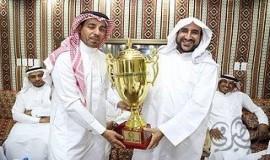 نادي التاج بالمطيرفي يزور سماحة العلامة السيد ابو عدنان بعد تحقيقة بطولة فريق الجزيرة