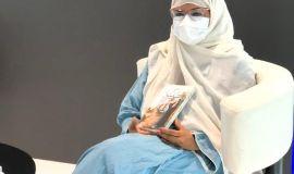 الحربي توقع إصدارها ( الطبينة ) في معرض الرياض الدولي